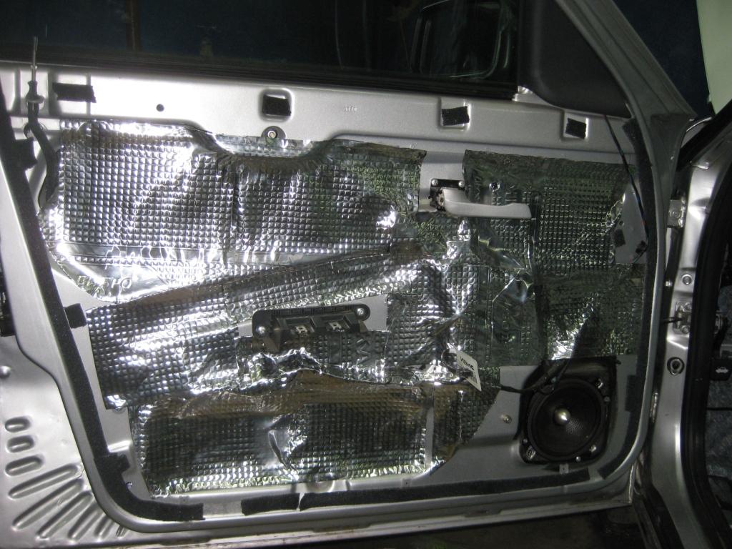 Как проклеить машину шумоизоляцией своими руками приора двери 16